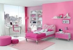 kamar warna pink_1